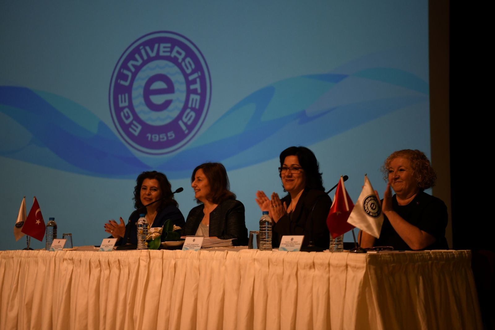 """Prof. Dr. Okçay,  """"Kadının gücünü devreye sokabilen toplumlar ilerlemektedir"""""""