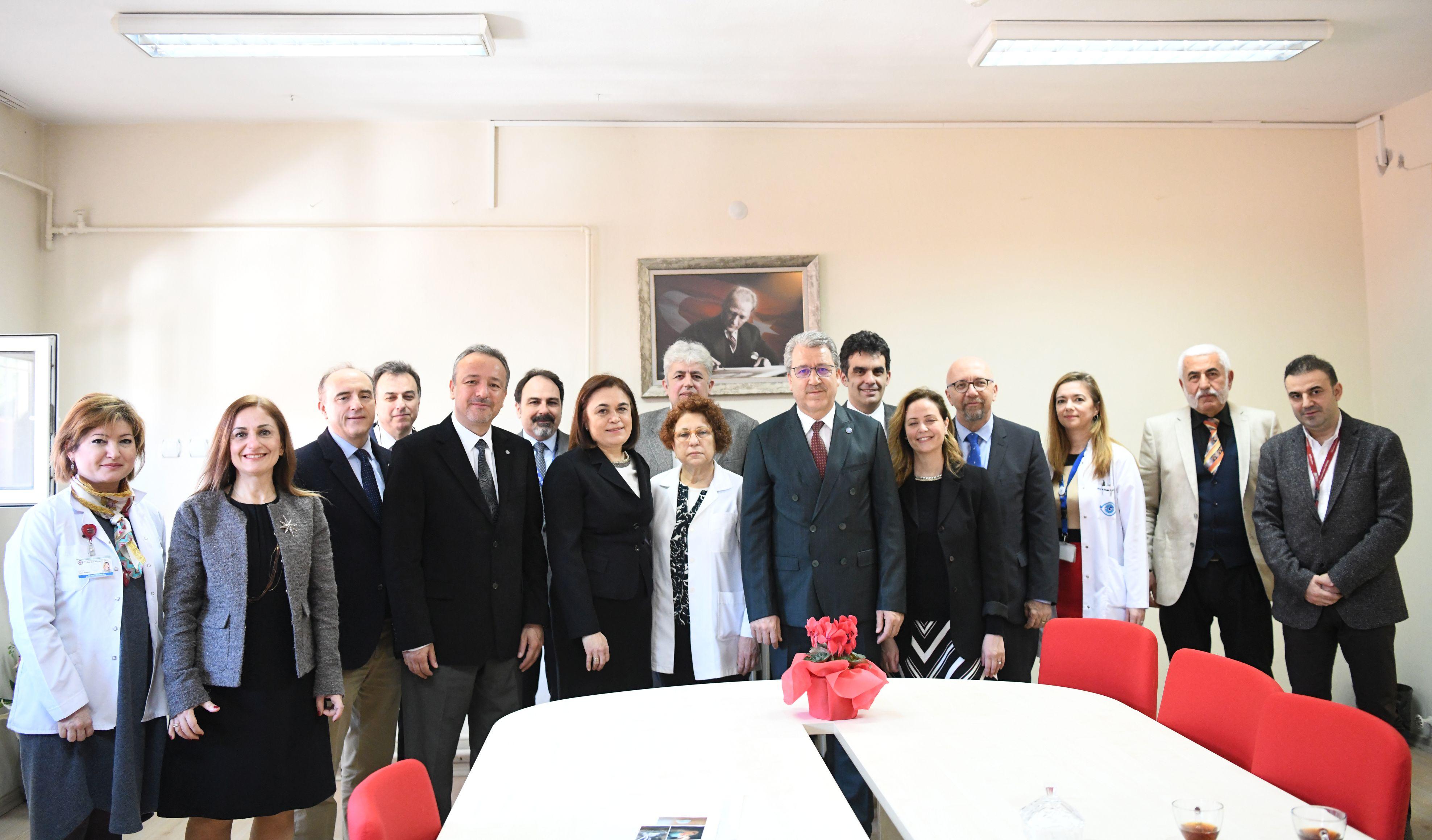 Egeli akademisyenler ekip çalışmasıyla Türkiye'de bir ilke daha imza attı