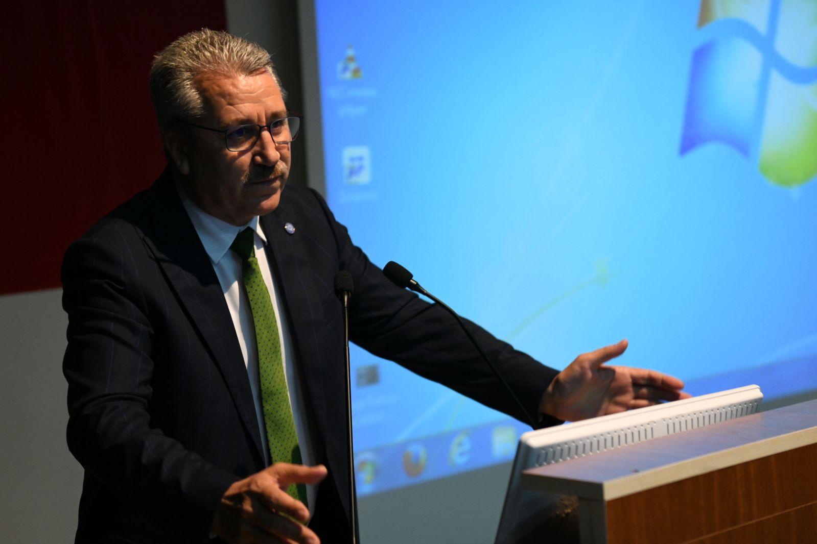 Türkiye'nin intörn hekimleri, meslek yaşamına Ege'de hazırlanıyor