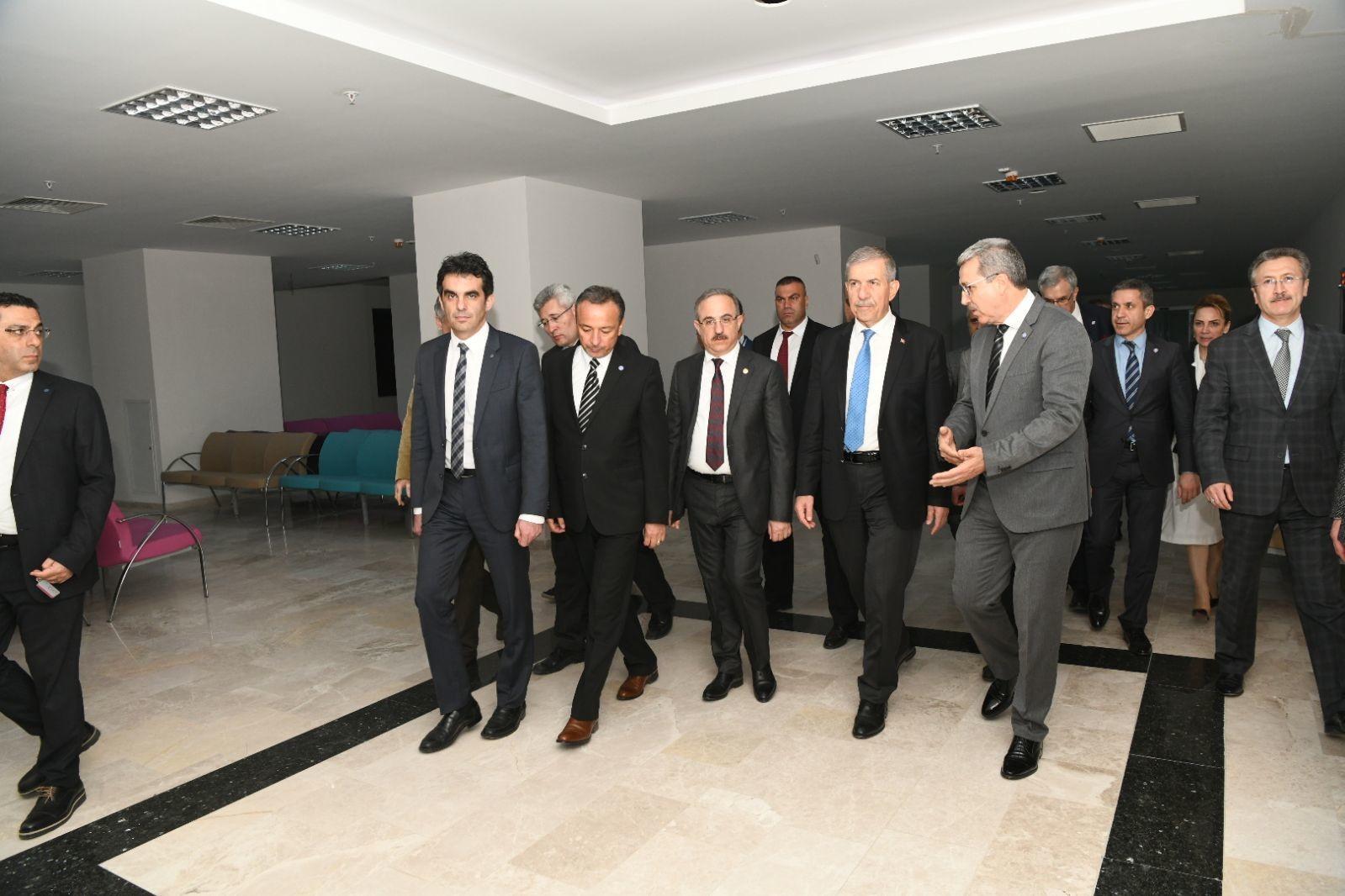 Bakan Dr. Demircan, Rektör Prof. Dr. Budak'ı ziyaret etti