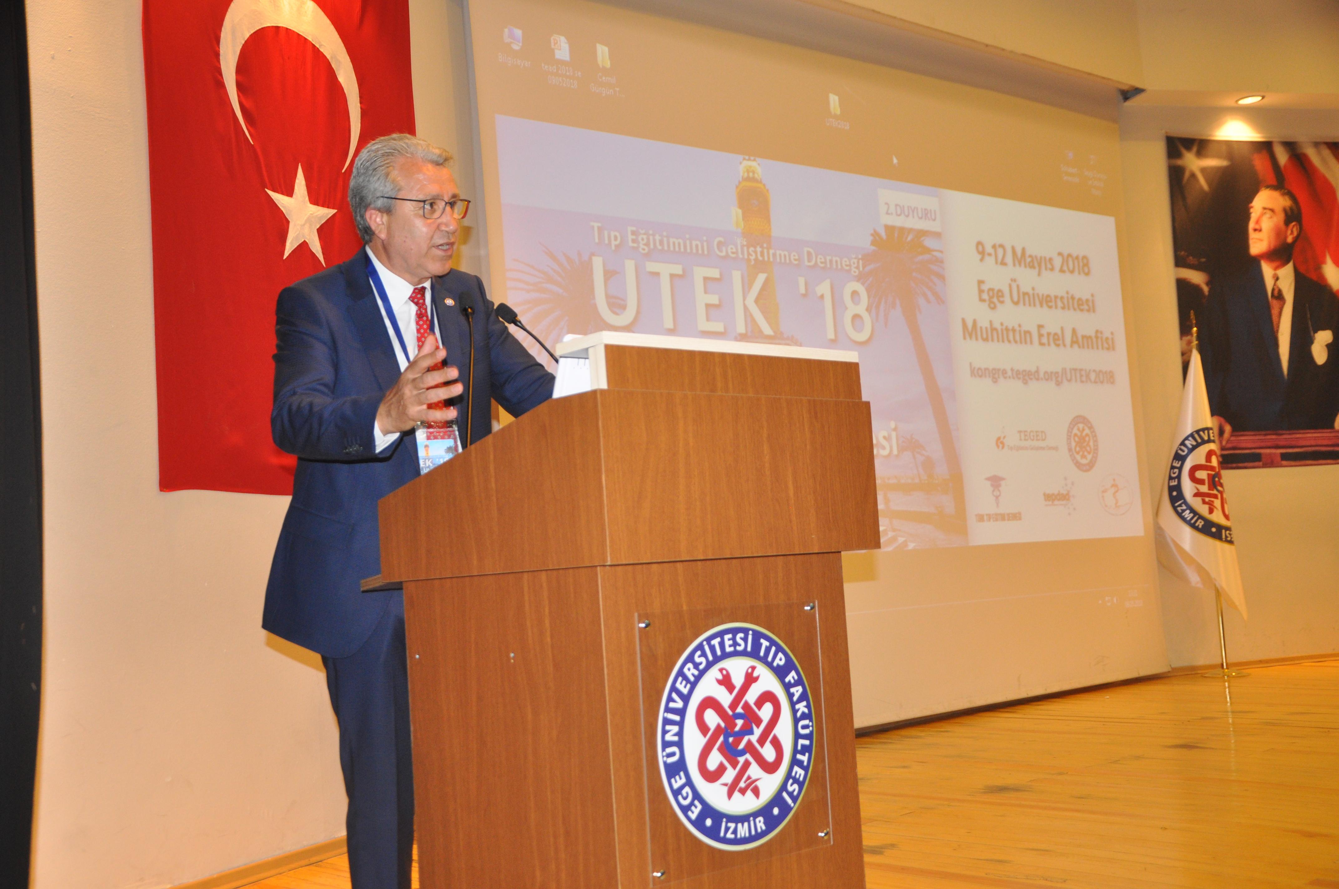 """Prof. Dr. Budak, """"İzmir, tıp eğitimi konusunda köklü bir geleneğe sahip"""""""