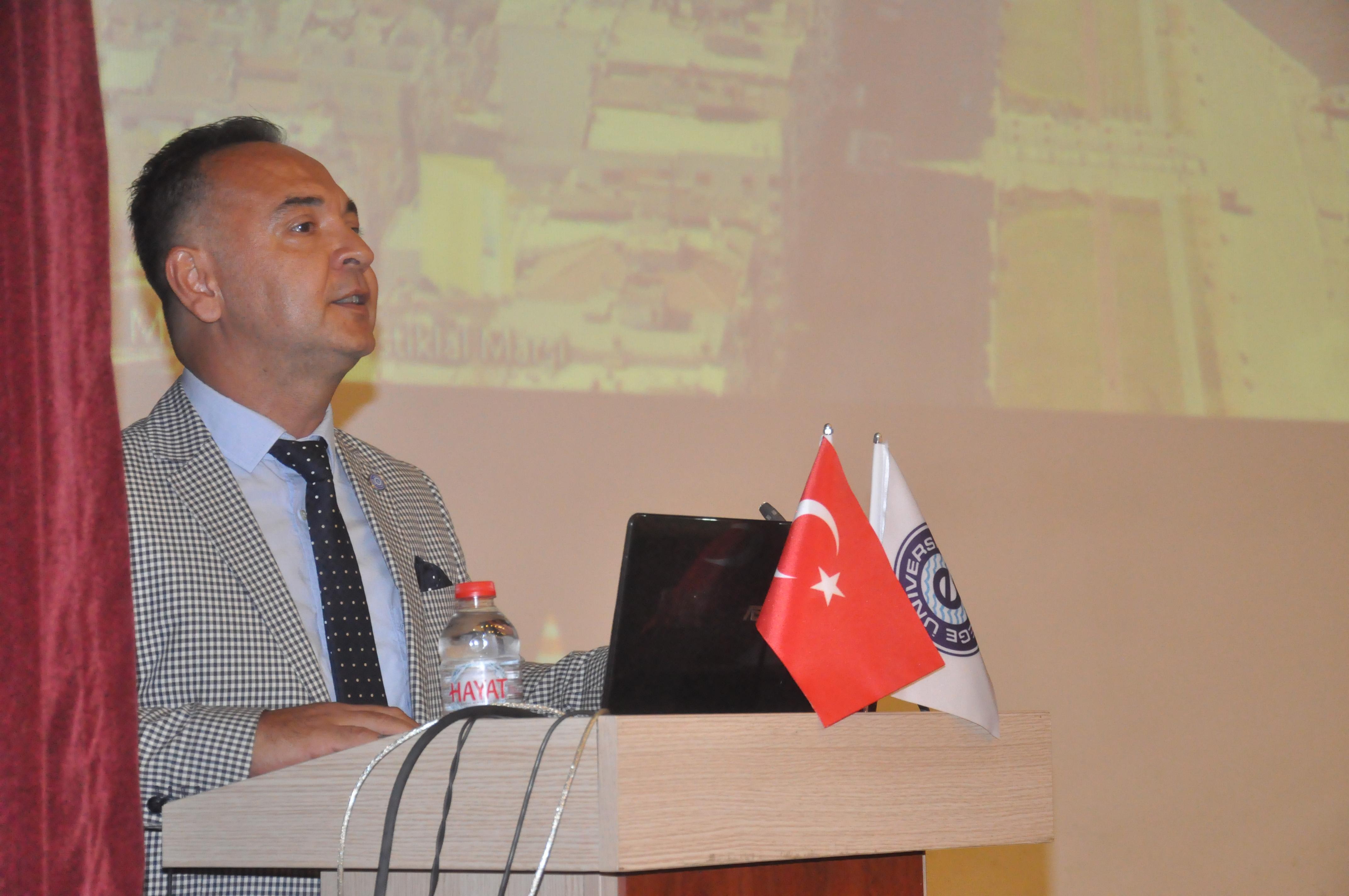 """Prof. Dr. Mert,  """"İzmir, tarih boyunca barış dolu bir şehir olmuştur"""""""