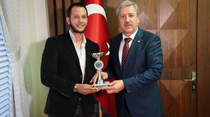 Uluslararası Başarılı İletişimciden Rektör Prof. Dr. Budak'a Ziyaret